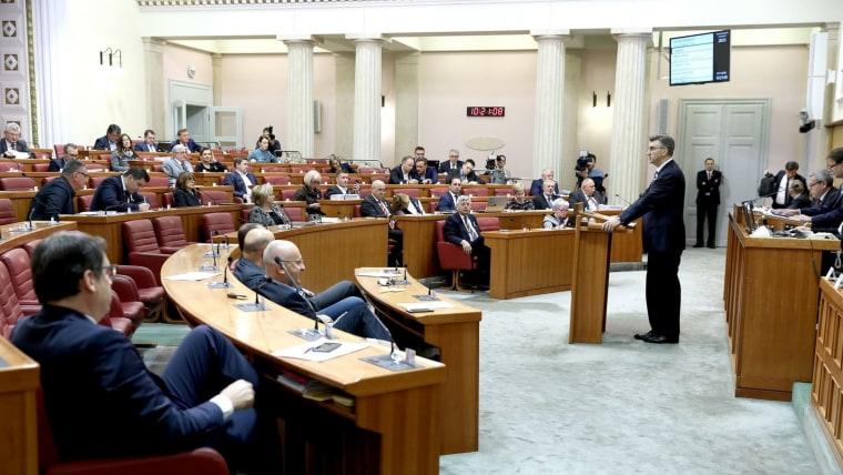 El Premier Andrej Plenković en el debate parlamentario sobre el Presupuesto. (Foto: Patrik Macek/PIXSELL)