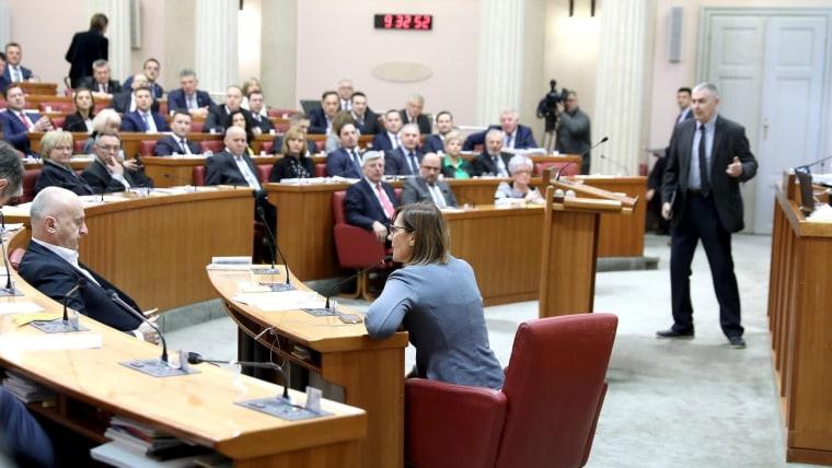 Parlamento aprobó el reajuste del presupuesto (Foto: Patrik Macek/PIXSELL)