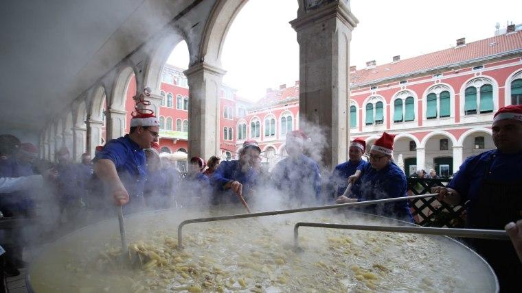 Schnelles Essen Heiligabend kroatien feiert heiligabend