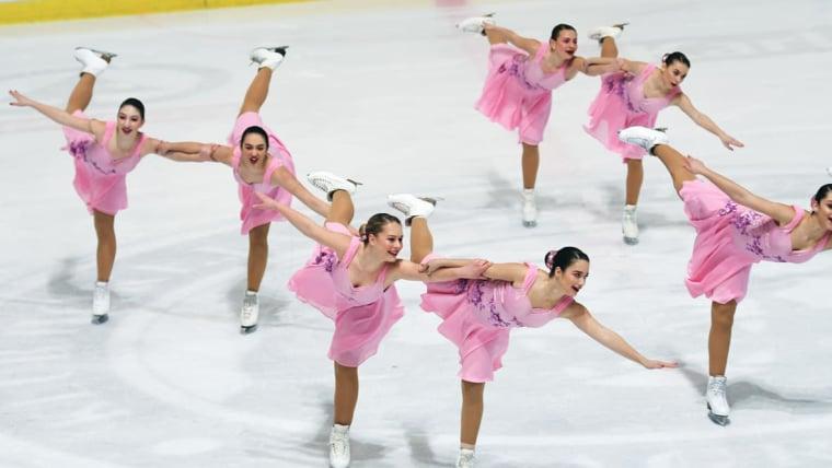 Juniorke Zagrebačkih pahuljica (Foto: screenshot/Hrvatski klizački savez)