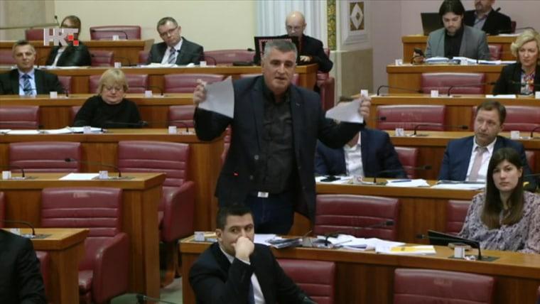 Diputado Miro Bulj del partido Most.