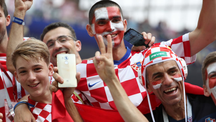 Croatia supporters bought all tickets for the match in Hungary in just a few hours.  (Illustration: Igor Kralj/PIXSELL)