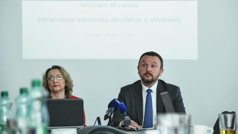 Andrea Doko Jelušić y Berislav Horvat, de la Cámara de Comercio de Estados Unidos en Croacia (Foto: Josip Regovic/PIXSELL)