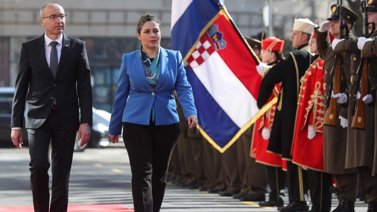 Croatian Defense Minister Damir Krstičević (L) Albanian Defense Minister Olta Xhaçka (R) (Photo: Robert Anic/PIXSELL)