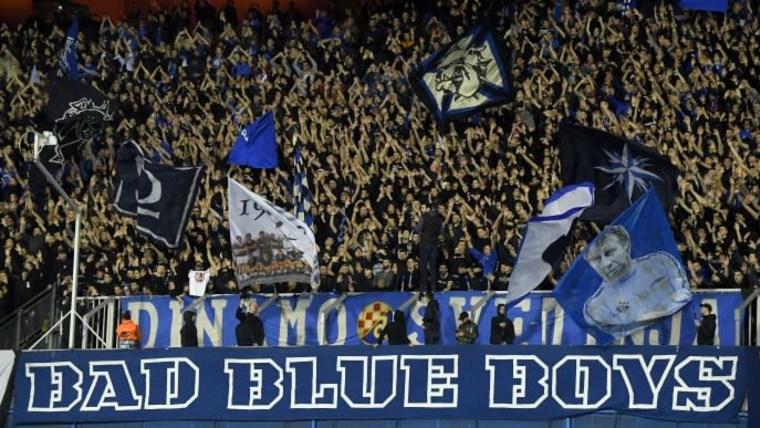 Barra brava de Dinamo (Foto: Marko Lukunic/PIXSELL)