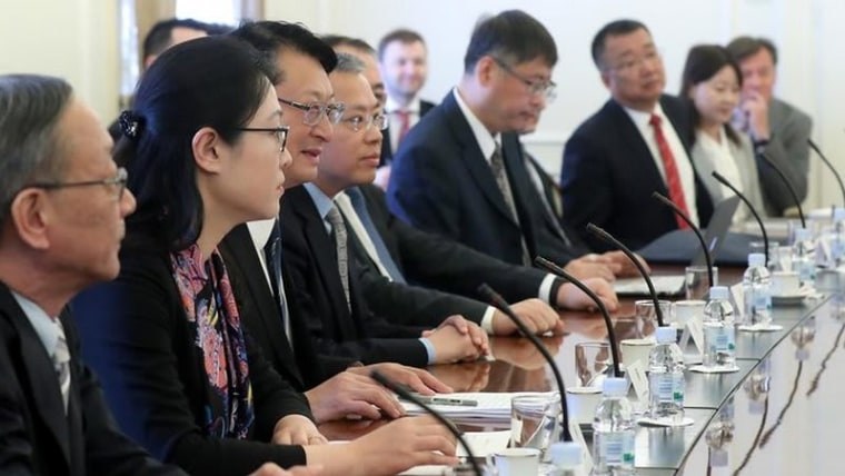 Executives from the China Shipbuilding Industry Corporation meet with Croatian government officials in Zagreb (Photo: Goran Stanzl/PIXSELL)