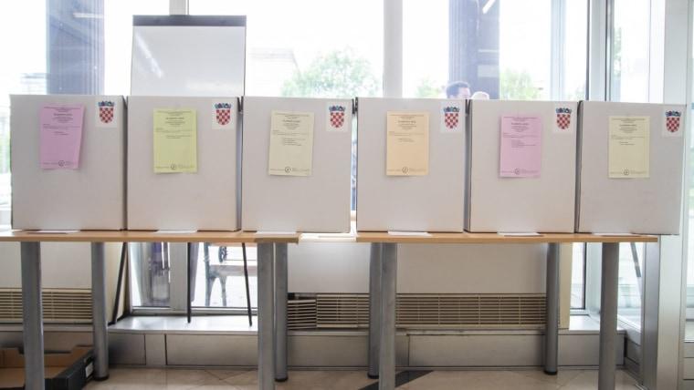 Wahllokal (Foto: Davor Puklavec/PIXSELL)