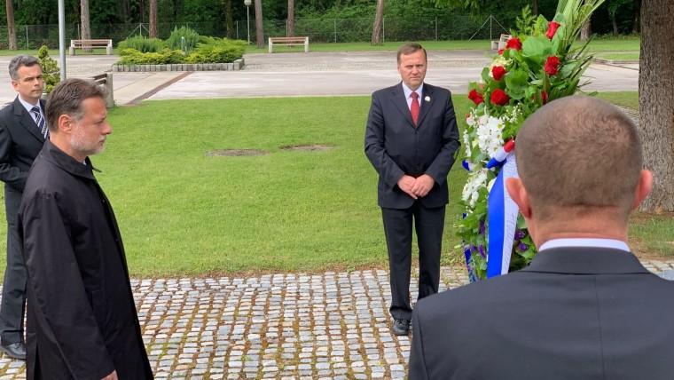 Parlamentspräsident Gordan Jandroković gedenkt den Opfern in Bleiburg  (Foto: Ivica Grudiček / HRT)