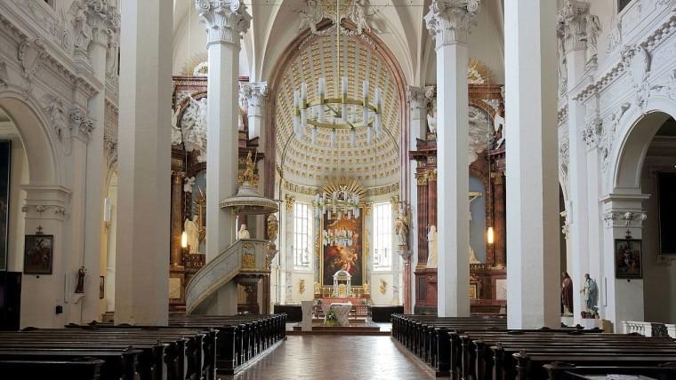 Kirche am Hof, Inneres (Foto: Wikipedia)