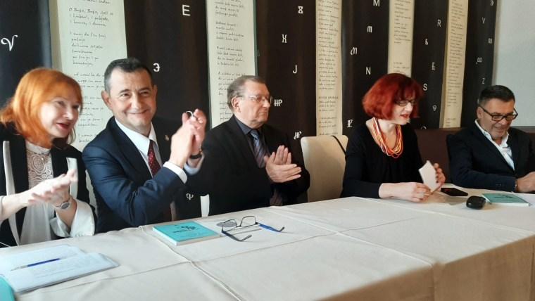 Željka Lovrenčić, Andres Morales Milohnić, predsjednik DHK-a Đuro Vidmarović, voditeljica Lada Žigo Španić i glumac Joško Ševo (Foto: Ivana Perkovac/Glas Hrvatske)