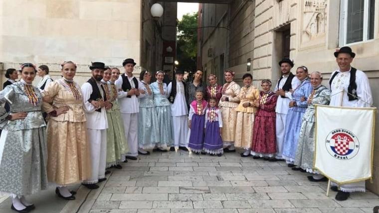 """(Foto: screenshot Facebook/ Kulturno umjetničko društvo """"Zadarski tanac"""")"""