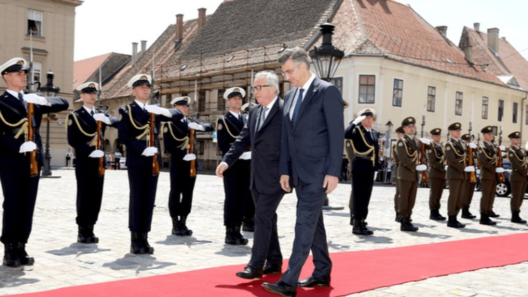European Commission President Jean Claude Juncker and Prime Minister Andrej Plenković walk together in Zagreb (Photo: Patrik Macek/PIXSELL)