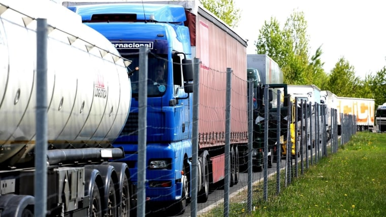 Slovenia blocked 17 border crossings to trucks weighing over 7.5 tonnes. (Photo: Basic/PIXSELL)