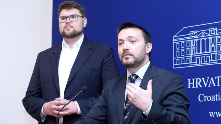 Social Democratic Party MPs Peđa Grbin and Arsen Bauk. (Photo: Patrik Macek/PIXSELL)