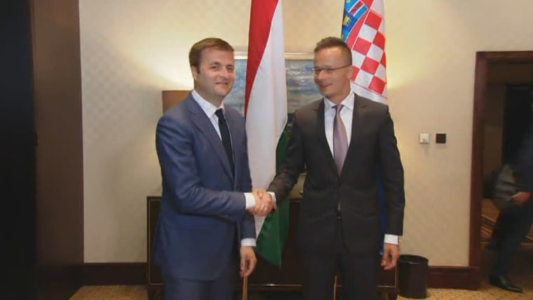 Minister of Environmental Protection and Energy, Tomislav Ćorić and Hungarian Foreign Minister Peter Szijjarto. (Photo: HRT)