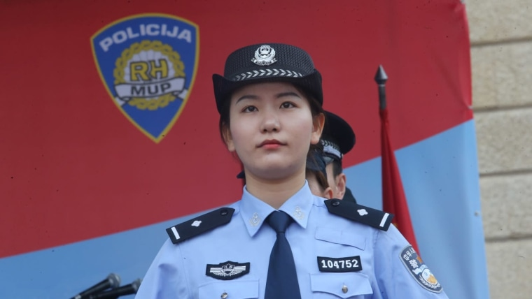 Chinese police assisting Croatian colleagues (Photo: Dalibor Urukalovic/PIXSELL)