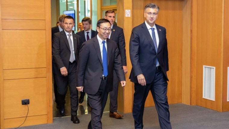 El vicegobernador del FMI y el primer ministro croata (Foto: Grgo Jelavić/PIXSELL)