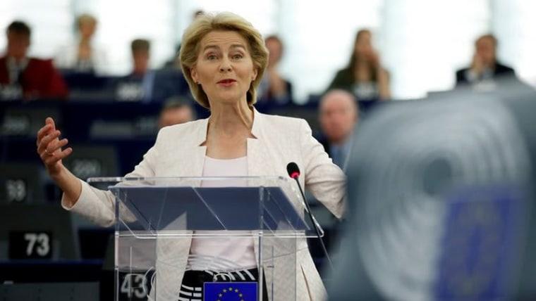 Ursula von der Leyen addresses the Eurpean Parliament (Photo: Vincent Kessler/Reuters)