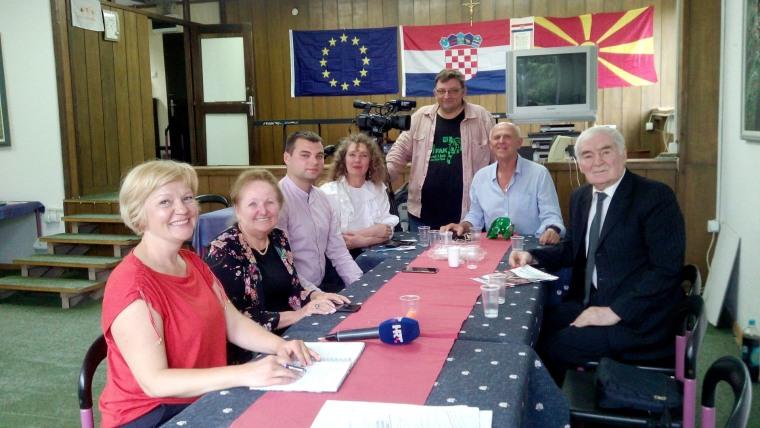 Ekipa HRT-a s domaćinima (Foto: Violeta Kalikj)