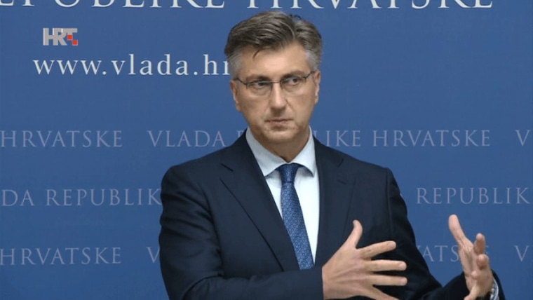 Premierminsiter Andrej Plenković bei der Pressekonferenz (Foto: HRT)