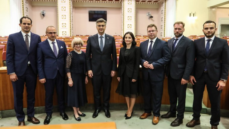 Prime Minister Plenković and his new ministers (Photo: Robert Anic/PIXSELL)