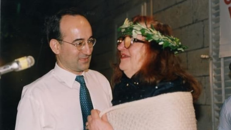 Vesna Parun i Drago Štambuk, Selca, Brač, 1995. (Foto: screenshot/dhk.hr)