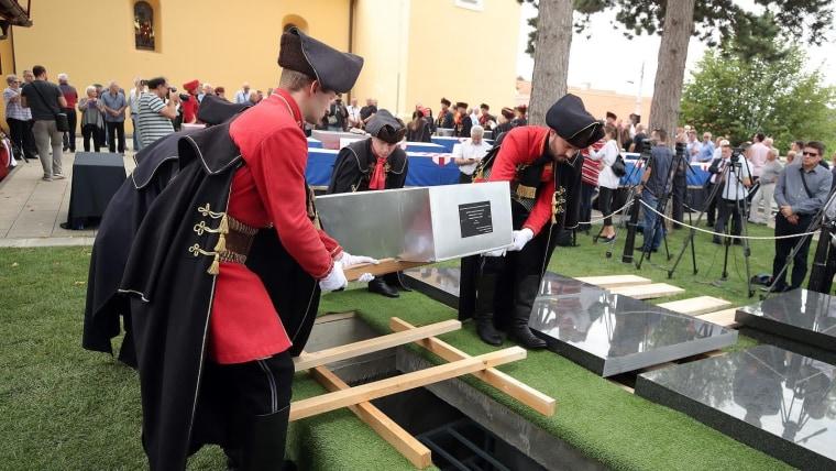 Entierran los restos de víctimas del comunismo (Foto: Goran Stanzl/PIXSELL)
