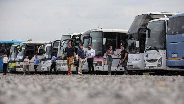 Transportistas públicos en huelga (Foto: Jurica Galoic/PIXSELL)