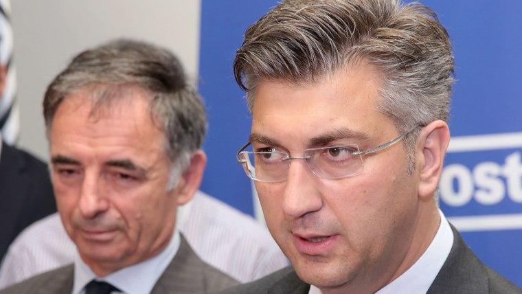 SDSS Party Chairman Milorad Pupovac (L) Prime Minister Andrej Plenković (R) (Photo: Patrik Macek/PIXSELL)