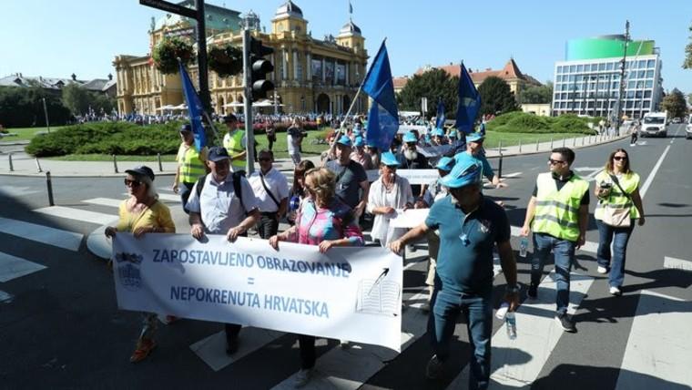 Protesta de los maestros croatas (FOTO: Sanjin Strukic/PIXSELL)
