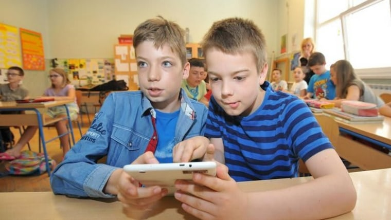 This is the first time that all first graders will be getting free textbooks (Photo: Vedran Zganec Rogulja/PIXSELL)
