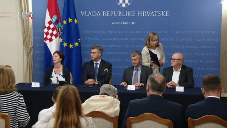 Acuerdo sindicatos de Salud y Gobierno (Foto: Davor Puklavec / PIXSELL)