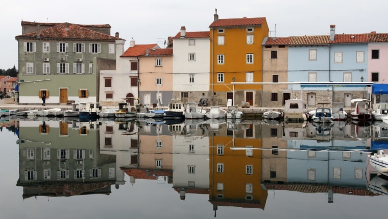 A scene from the town of Cres. (Photo: Goran Kovacic/PIXSELL)