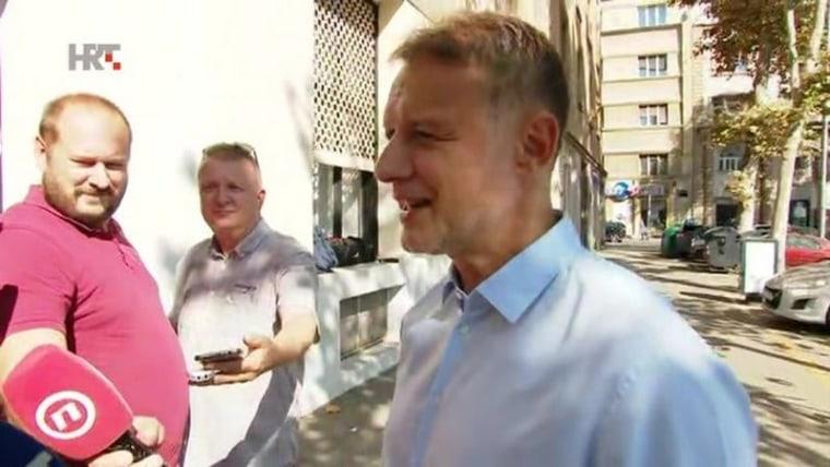 Secretary General of the HDZ Gordan Jandroković speaking to reporters prior to the meeting (Photo: HRT)