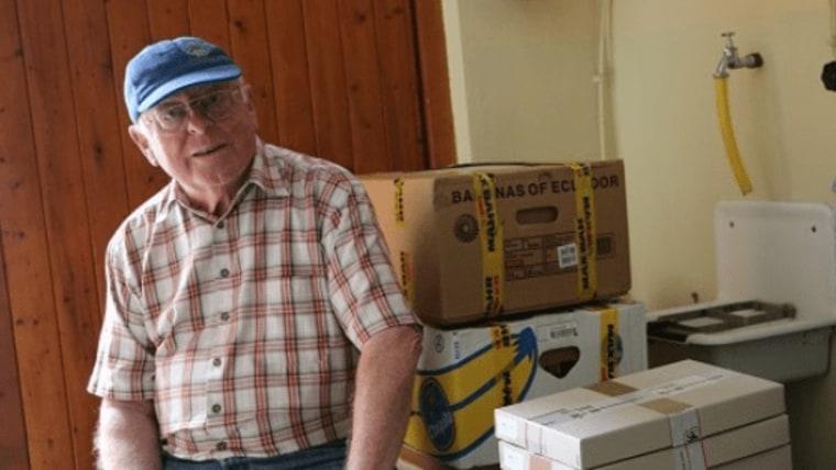 Umirovljenik Ehrenfried Schultheiß koji pomaže djeci u Hrvatskoj. (Foto: Fenix Magazin/ screenshot)