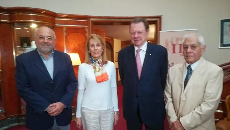 Gl. urednik Programa za Hrvate izvan RH HRT-a Ivo Kujundžić, Marcos Pejačević sa suprugom Aliciom i novinar David Rey (Foto: Glas Hrvatske)