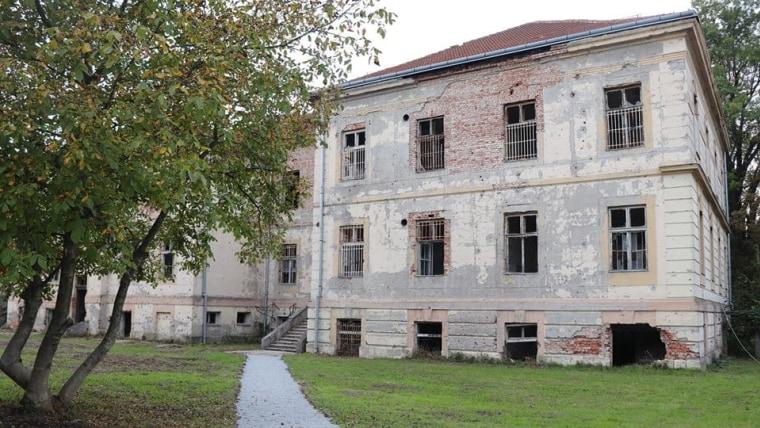 Stara zgrada Psihijatrije, Bolnica Pakrac (Foto: screenshot/compas.com.hr)