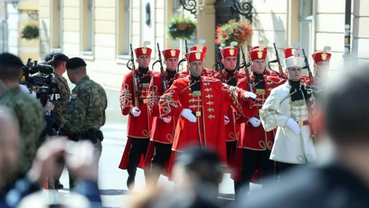 The changing of the Honor Guard in St. Mark's Square on Independence Day (Sanjin Strukic/PIXSELL)