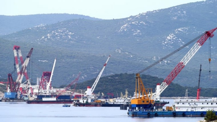 Chinese construction crews work on the Pelješac Bridge (Photo: Ivo Cagalj/PIXSELL)