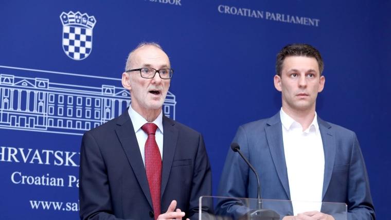 Podolnjak y Petrov (Foto: Patrik Macek/PIXSELL)