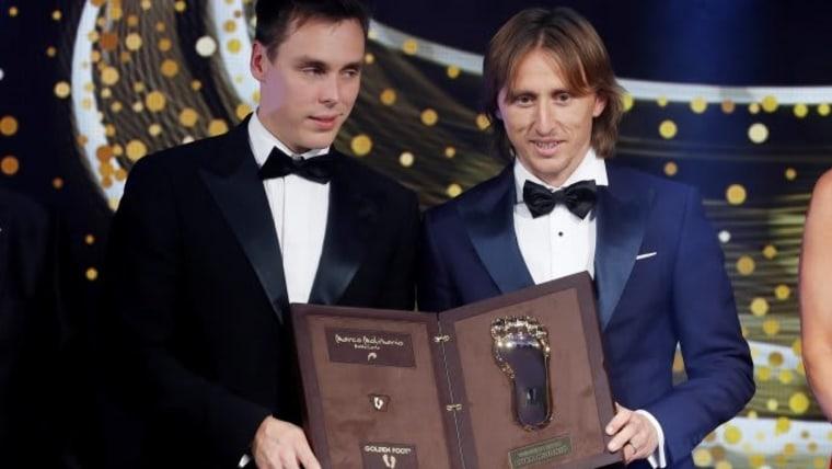 Luka Modrić erhält eine neue Auszeichnung (Foto: REUTERS/Eric Gaillard)