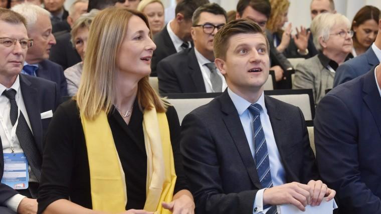 HBOR CEO Tamara Perko and Finance Minister Zdravko Marić (Photo: Hrvoje Jelavic/PIXSELL)