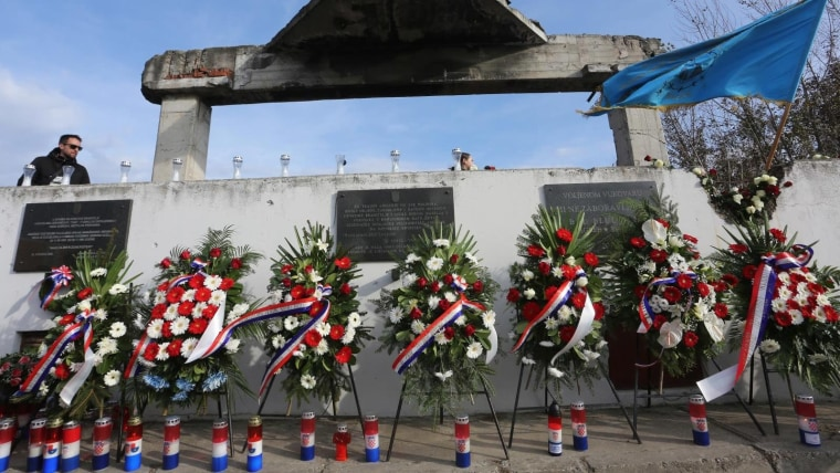 Commemorative plaques and wreaths at the site where Borovo Komerc was located. (Photo: Marko Mrkonjic/PIXSELL/archive)