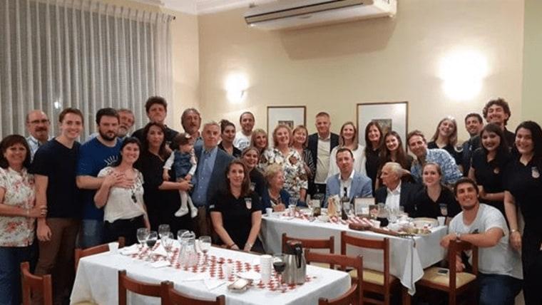 Zvonko Milas s Hrvatima u Urugvaju. (Foto: Središnji državni ured za Hrvate izvan RH)