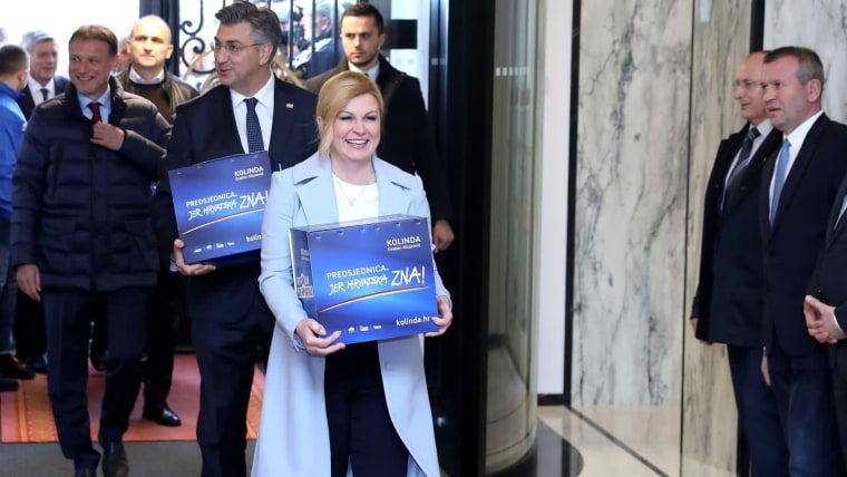 President Kolinda Grabar-Kitarović submitting her candidacy for a second mandate with signatures collected in support. (Photo: Patrik Macek/PIXSELL)
