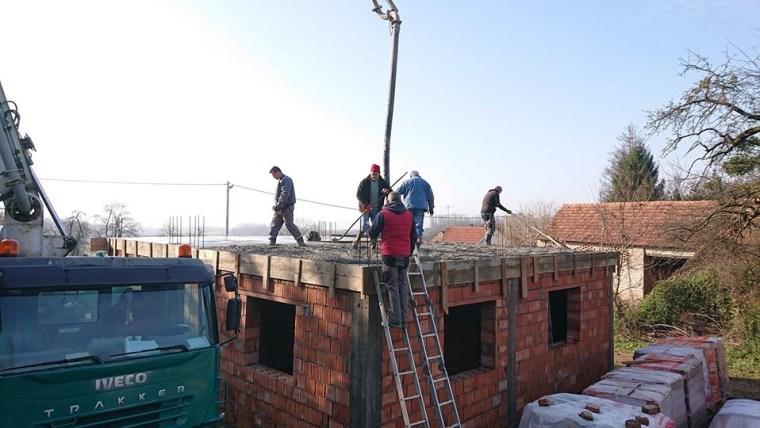Kuća obitelji Repinac u Šeovici je pod krovom (Foto: Mario Barać/privatna arhiva/s dopuštenjem)