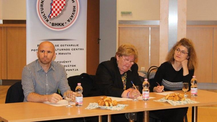 Osjenjivački sud Natjecanja u kazivanju stihova u Baji (Foto: matis.hr)