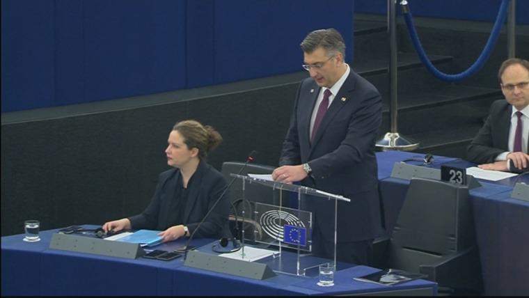 Der kroatische Premier bei seiner Rede im EU Parlament (Foto: HRT)