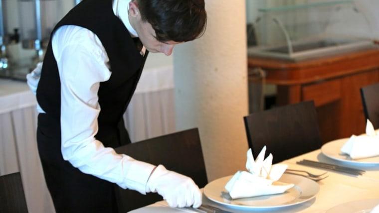 Service industry (Photo: Waiter Dusko Jaramaz PIXSELL)