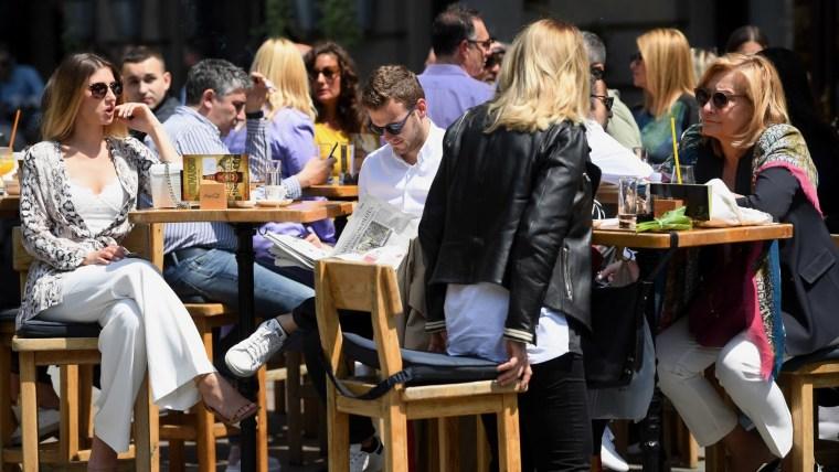 Cafe terrace in Zagreb (Photo: Marko Lukunic/PIXSELL)